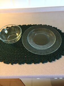 Eight piece place setting