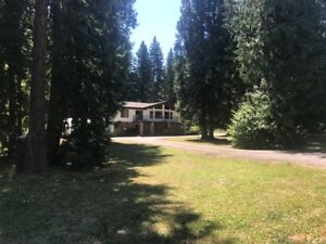 Large Family Home Centrally Located Between Nelson & Castlegar