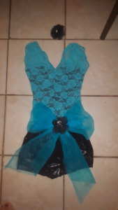 Custume pour dance size small-med