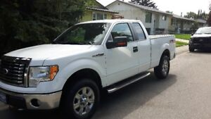 2010 Ford F-150 Supercab - low Kms