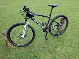 B'TWIN Rock Rider 520 Mountain Bike