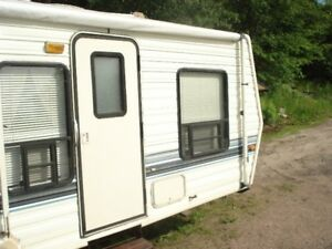 27 Ft travel Trailer 1994 cobra