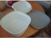 Vintage Tupperware 3 piece Rice Cooker/Salad Container, grey/white