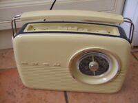 Cream vintage radio