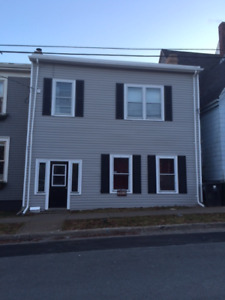 5BR + Den (small Br) - COMPTON AVE, NEAR COMMONS - SEPT