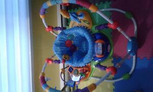 Jouets variés pour enfants 0-12 mois
