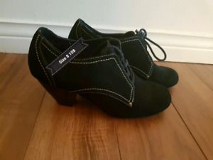 Shoes in great condition   Size 8