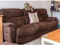 St Austell: 3 seater electric recliner sofa (needs electrical attention)