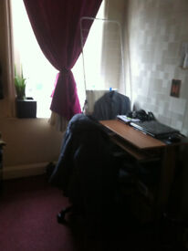 single room available now in aldgate east 115 all bills incluided