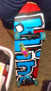 Like new skayeboard from OLS paid 116$ only asking 60$