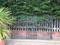 Wrought iron gates 5ft x 5ft