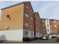 2 bedroom flat in Huron Road, Turnford, EN10 (2 bed)