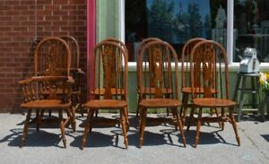Set 0f 8 Oak Windsor Chairs