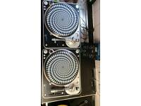 Stanton T80 DJ record turntable decks and citronic mixer.