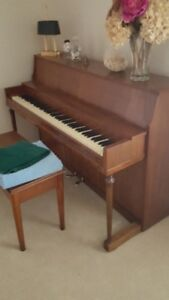 UPRIGHT PIANO  - PERFECT FOR BEGINNER