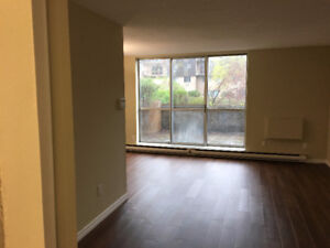 2 Bedrooms Apartment in Burlington, available since Spt 1st