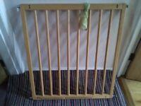Wooden stair gate (Baby Dan)