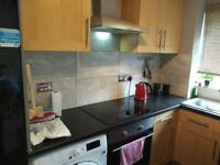 Newly redecorated 2 bedroom flat situated within a short walk from transport and shopping amenities