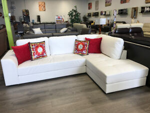 SUPER HOT DEAL!!! ULTRA MODERN WHITE BONDED LEATHER SECTIONAL !!