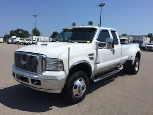 2006 Ford F-350 Lariat Pickup Truck Dually
