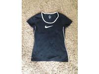 Womens size 12 black & white Nike top