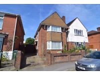 UNFUNISHED ***VERY LARGE*** 3 BED PROPERTY~ GARDEN + PARKING