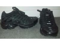 Black Nike TNs size 4 and a half (unisex)