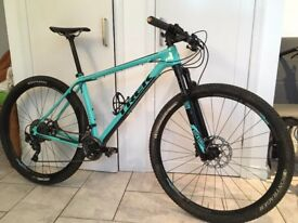 Trek Superfly 9.8 29'r Cross Country Mountain bike