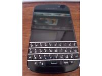 Blackberry Q10 Unlocked Charger & Cable Good Full Working Condition Unlocked