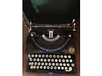 Antique Imperial typewriter. Excellent condition