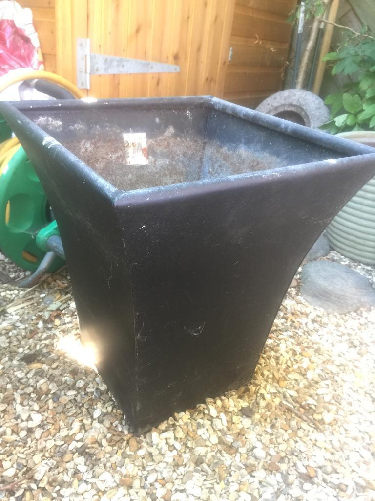 Free black metal planter potin Bournemouth, DorsetGumtree - Free black metal planter potFree free free free Free black metal planter potFree free free free