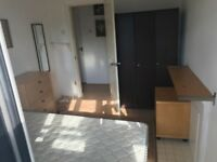 ***HUGE SINGLE ROOM WITH HUGE PRIVATE BALCONY***£130 pw (bills inc)