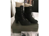 Ladies Timberland heel boots NEW size 5