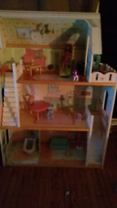 3 level wooden doll house