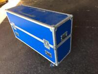 Large TV / electronic equipment travel/ flight case
