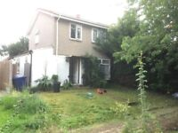 Four bedrooms house semi detached front and back garden