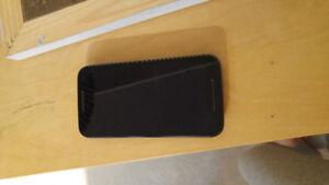 Moto G3 8GB for Sale plus 2 Phone Cases