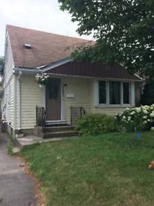 Student rental/INTERNET INCLUDED/WALKING DISTANCE TO FANSHAWE