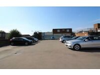 Yard To let / land / storage / comercial Properly / garage / car Park