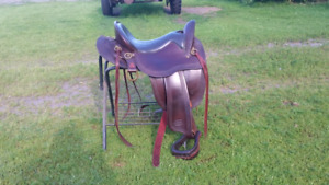 Reinsman endurance trail saddle