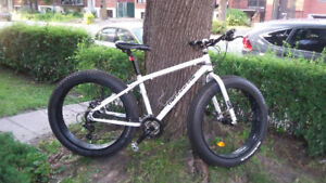 "2015 Fat Bike 19"" frame and 26"" by 4"" wheels many Shimano parts"