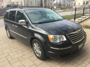 2010 Chrysler Town & Country Minivan Limited Edition