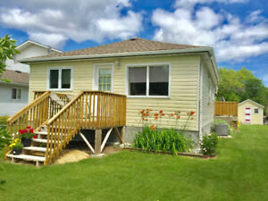 GIMLI COTTAGE GETAWAY SPECIAL AUGUST 25-SEPT 1 $800.00