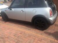 Mini Cooper 2003. Long MOT June 18