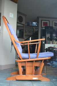 """SOLID MAPLE WOOD Rocking Chair """"MADE IN CANADA"""""""