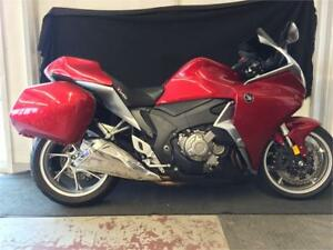 2010 VFR 1200! Only 7300 KMS