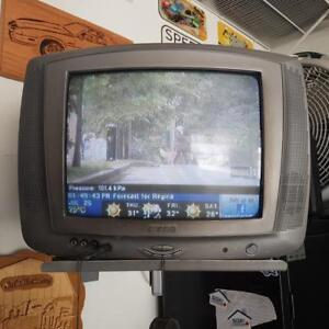 13 inch Garage TV with wall bracket