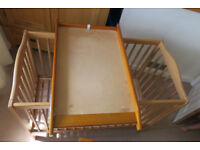 Top cot changer (beech type wood) - 86 cm L x 51.5 cm W x 7 cm H - used condition