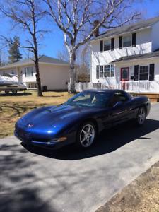 2000 Chevrolet Corvette Coupe (2 door)