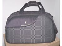 Stylish Holiday Travel Bag or Sports Holdall - as new condition – reduced to £20